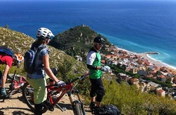 Offerta Settembre-Ottobre Sconto 10% - Camping al Mare e Mountain Bike Trophy Of Nations Finale Ligure