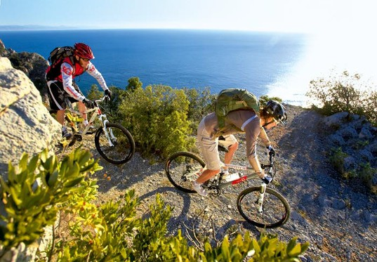 Bike Holiday October 7=6 - camping for bikers in Liguria campsite Finale Ligure